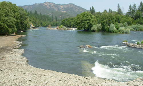 The now free-flowing Rogue River (upstream of Gold Hill, Oregon) after the removal of the Gold Ray Dam.